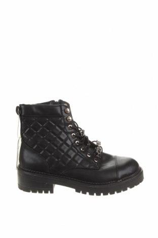 Dámské boty  Stradivarius, Velikost 39, Barva Černá, Eko kůže, Cena  650,00Kč