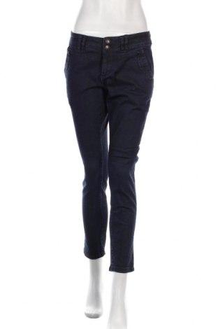 Дамски дънки Edc By Esprit, Размер M, Цвят Син, 98% памук, 2% еластан, Цена 24,00лв.