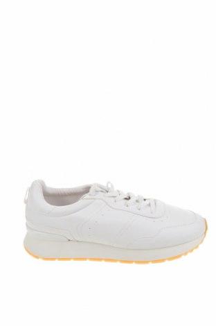 Дамски обувки Pull&Bear, Размер 39, Цвят Бял, Еко кожа, Цена 24,96лв.