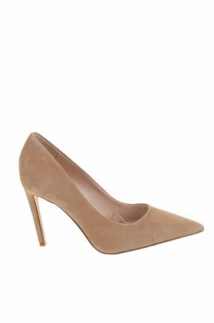 Дамски обувки Zara, Размер 36, Цвят Бежов, Естествен велур, Цена 64,50лв.