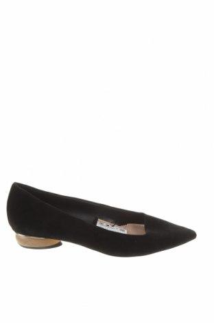 Дамски обувки Zara, Размер 37, Цвят Черен, Естествен велур, Цена 44,55лв.