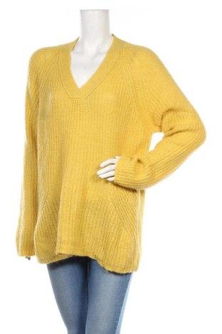 Дамски пуловер Studio Italy, Размер M, Цвят Жълт, 43% акрил, 37% полиамид, 20% вълна от алпака, Цена 49,35лв.
