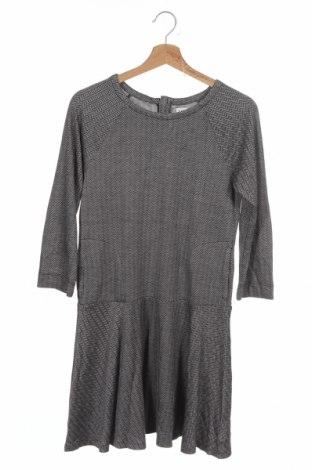 Детска рокля Gap Kids, Размер 13-14y/ 164-168 см, Цвят Сив, 47% вискоза, 43% акрил, 9% полиестер, 1% еластан, Цена 4,99лв.