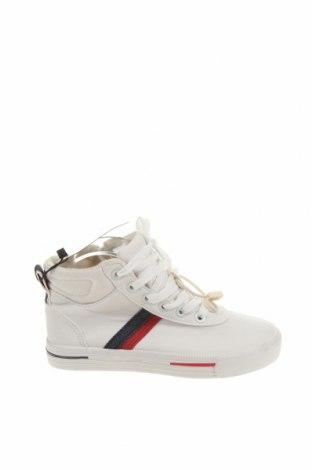 Детски обувки Zara, Размер 28, Цвят Бял, Еко кожа, текстил, Цена 44,25лв.