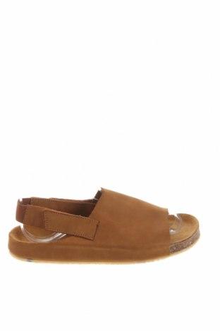 Детски сандали Zara, Размер 34, Цвят Кафяв, Естествена кожа, Цена 51,75лв.