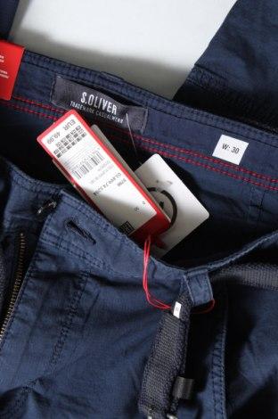 Мъжки къс панталон S.Oliver, Размер M, Цвят Син, 98% памук, 2% еластан, Цена 39,50лв.