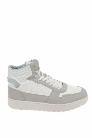 Ανδρικά παπούτσια Pull&Bear, Μέγεθος 44, Χρώμα Λευκό, Δερματίνη, Τιμή 35,57€