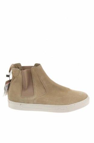 Ανδρικά παπούτσια Pull&Bear, Μέγεθος 41, Χρώμα  Μπέζ, Φυσικό σουέτ, Τιμή 51,03€