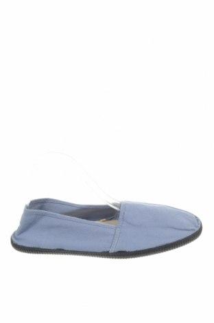 Ανδρικά παπούτσια Pull&Bear, Μέγεθος 41, Χρώμα Μπλέ, Κλωστοϋφαντουργικά προϊόντα, Τιμή 25,26€