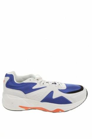 Ανδρικά παπούτσια Pull&Bear, Μέγεθος 45, Χρώμα Λευκό, Δερματίνη, κλωστοϋφαντουργικά προϊόντα, Τιμή 26,80€