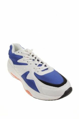 Ανδρικά παπούτσια Pull&Bear, Μέγεθος 43, Χρώμα Μπλέ, Δερματίνη, κλωστοϋφαντουργικά προϊόντα, Τιμή 20,10€