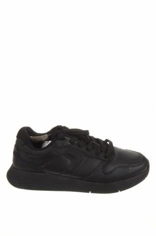 Ανδρικά παπούτσια Pull&Bear, Μέγεθος 43, Χρώμα Μαύρο, Δερματίνη, Τιμή 30,41€
