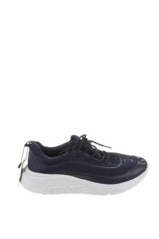 Мъжки обувки Pull&Bear, Размер 40, Цвят Син, Текстил, Цена 25,37лв.