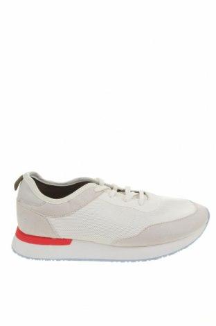 Παπούτσια Pull&Bear, Μέγεθος 41, Χρώμα Λευκό, Κλωστοϋφαντουργικά προϊόντα, Τιμή 26,80€