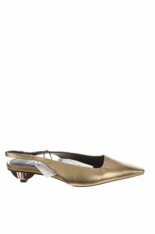 Дамски обувки Zara, Размер 36, Цвят Златист, Естествена кожа, Цена 30,60лв.