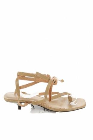 Сандали Zara, Размер 37, Цвят Бежов, Естествена кожа, Цена 19,75лв.