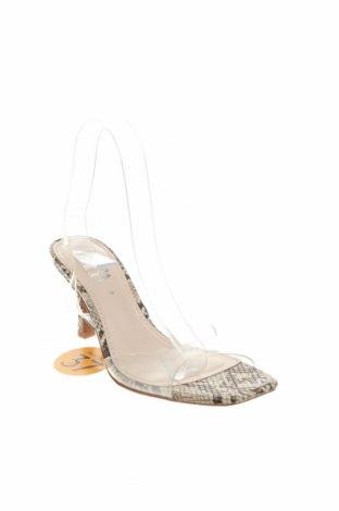 Сандали Zara, Размер 37, Цвят Бял, Полиуретан, Цена 34,50лв.