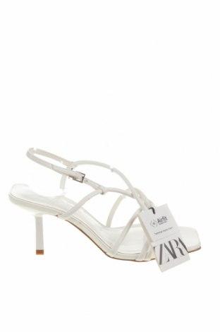 Сандали Zara, Размер 36, Цвят Бял, Еко кожа, Цена 26,10лв.