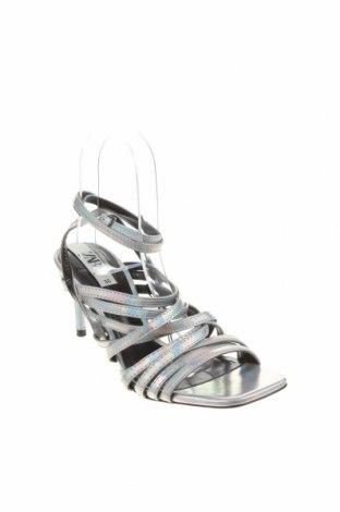 Σανδάλια Zara, Μέγεθος 36, Χρώμα Γκρί, Δερματίνη, Τιμή 26,68€