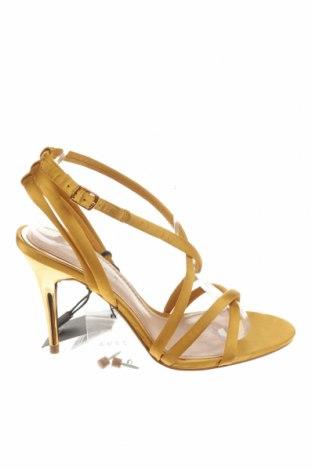 Σανδάλια Zara, Μέγεθος 38, Χρώμα Κίτρινο, Κλωστοϋφαντουργικά προϊόντα, Τιμή 22,43€