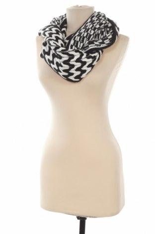 Šála Calvin Klein, Barva Černá, 69% polyester, 21%acryl, 10% vlna, Cena  1196,00Kč
