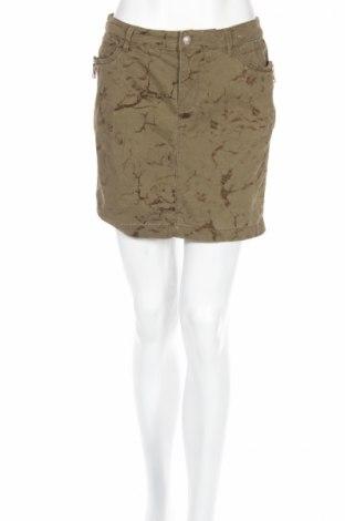 Пола Edc By Esprit, Размер S, Цвят Зелен, 96% памук, 2% вискоза, 2% еластан, Цена 5,72лв.