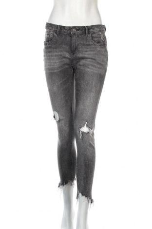 Дамски дънки Zara, Размер M, Цвят Сив, 99% памук, 1% еластан, Цена 28,50лв.