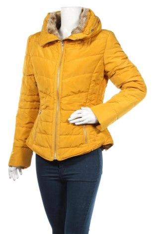 Γυναικείο μπουφάν Q/S by S.Oliver, Μέγεθος L, Χρώμα Κίτρινο, Πολυεστέρας, Τιμή 61,34€