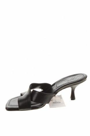 Чехли Zara, Размер 38, Цвят Черен, Естествена кожа, Цена 58,50лв.