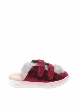 Чехли Zara, Размер 32, Цвят Червен, Текстил, естествен косъм, Цена 33,00лв.