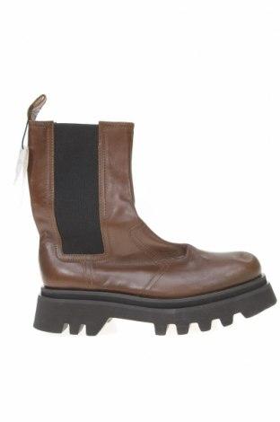 Дамски боти Zara, Размер 41, Цвят Кафяв, Естествена кожа, Цена 39,75лв.