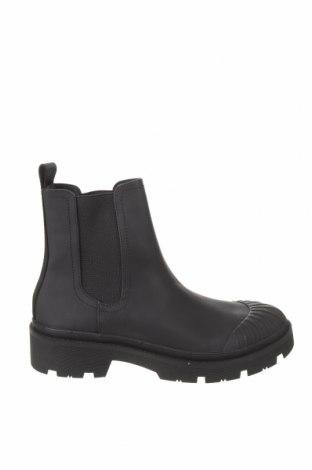 Дамски боти Zara, Размер 39, Цвят Черен, Еко кожа, текстил, Цена 51,75лв.