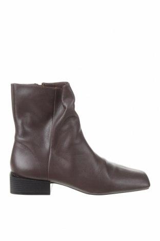 Дамски боти Zara, Размер 40, Цвят Кафяв, Естествена кожа, Цена 31,80лв.