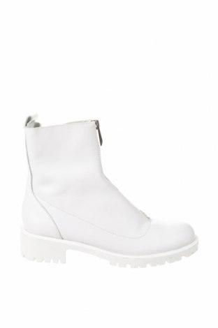 Дамски боти Zara, Размер 37, Цвят Бял, Естествена кожа, Цена 126,75лв.