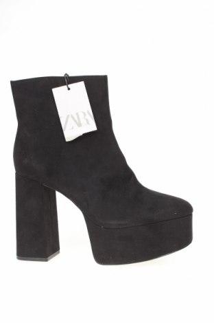 Γυναικεία μποτάκια Zara, Μέγεθος 40, Χρώμα Μαύρο, Κλωστοϋφαντουργικά προϊόντα, Τιμή 30,41€
