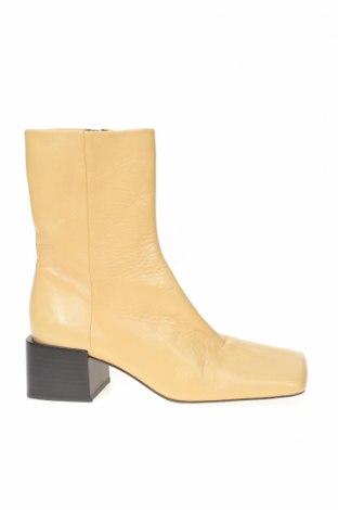 Дамски боти Zara, Размер 36, Цвят Бежов, Естествена кожа, Цена 37,25лв.