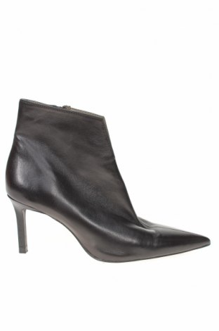 Γυναικεία μποτάκια Zara, Μέγεθος 36, Χρώμα Μαύρο, Γνήσιο δέρμα, Τιμή 71,65€