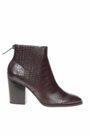 Дамски боти Zara, Размер 39, Цвят Червен, Еко кожа, Цена 51,75лв.
