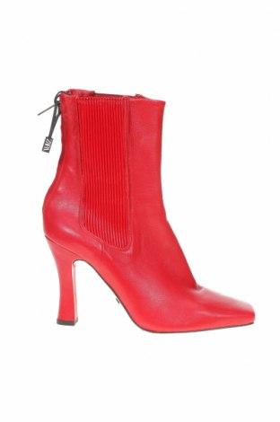Дамски боти Zara, Размер 38, Цвят Червен, Естествена кожа, еко кожа, Цена 111,75лв.