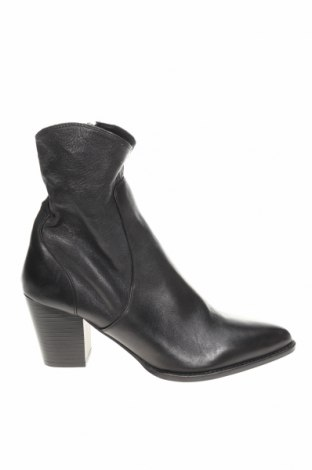 Дамски боти Zara, Размер 41, Цвят Черен, Естествена кожа, Цена 36,57лв.