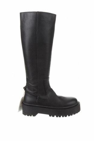 Дамски ботуши Pull&Bear, Размер 35, Цвят Черен, Еко кожа, Цена 59,25лв.
