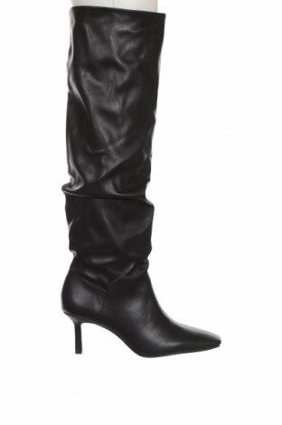 Γυναικείες μπότες Stradivarius, Μέγεθος 41, Χρώμα Μαύρο, Δερματίνη, Τιμή 26,68€