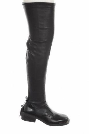 Дамски ботуши Zara, Размер 39, Цвят Черен, Еко кожа, Цена 89,25лв.