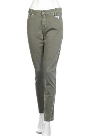 Дамски дънки Denim Hunter, Размер M, Цвят Зелен, 98% памук, 2% еластан, Цена 41,00лв.