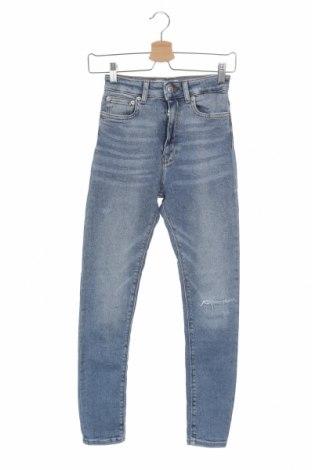 Dámské džíny  Zara, Velikost XS, Barva Modrá, 95% bavlna, 3% polyester, 2% elastan, Cena  303,00Kč