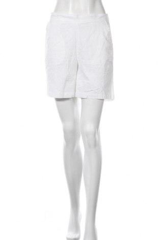 Дамски къс панталон Culture, Размер M, Цвят Бял, Цена 40,50лв.