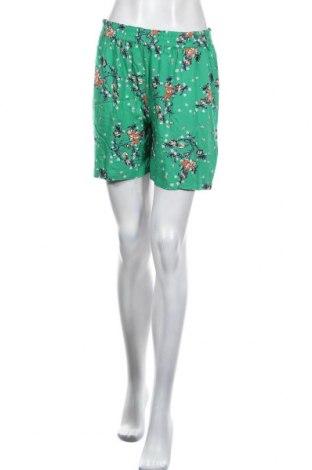Дамски къс панталон Kaffe, Размер M, Цвят Зелен, Вискоза, Цена 30,02лв.
