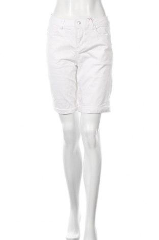 Дамски къс панталон S.Oliver, Размер S, Цвят Бял, 97% памук, 3% еластан, Цена 21,88лв.