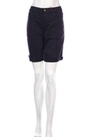Дамски къс панталон S.Oliver, Размер L, Цвят Син, 97% памук, 3% еластан, Цена 26,22лв.