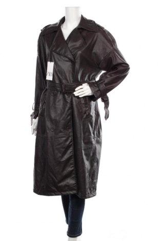 Дамски кожен шлифер Zara, Размер S, Цвят Кафяв, Еко кожа, Цена 87,57лв.